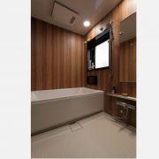 浴室/窓付きで明るく、高級感のある仕様。 サムネイル