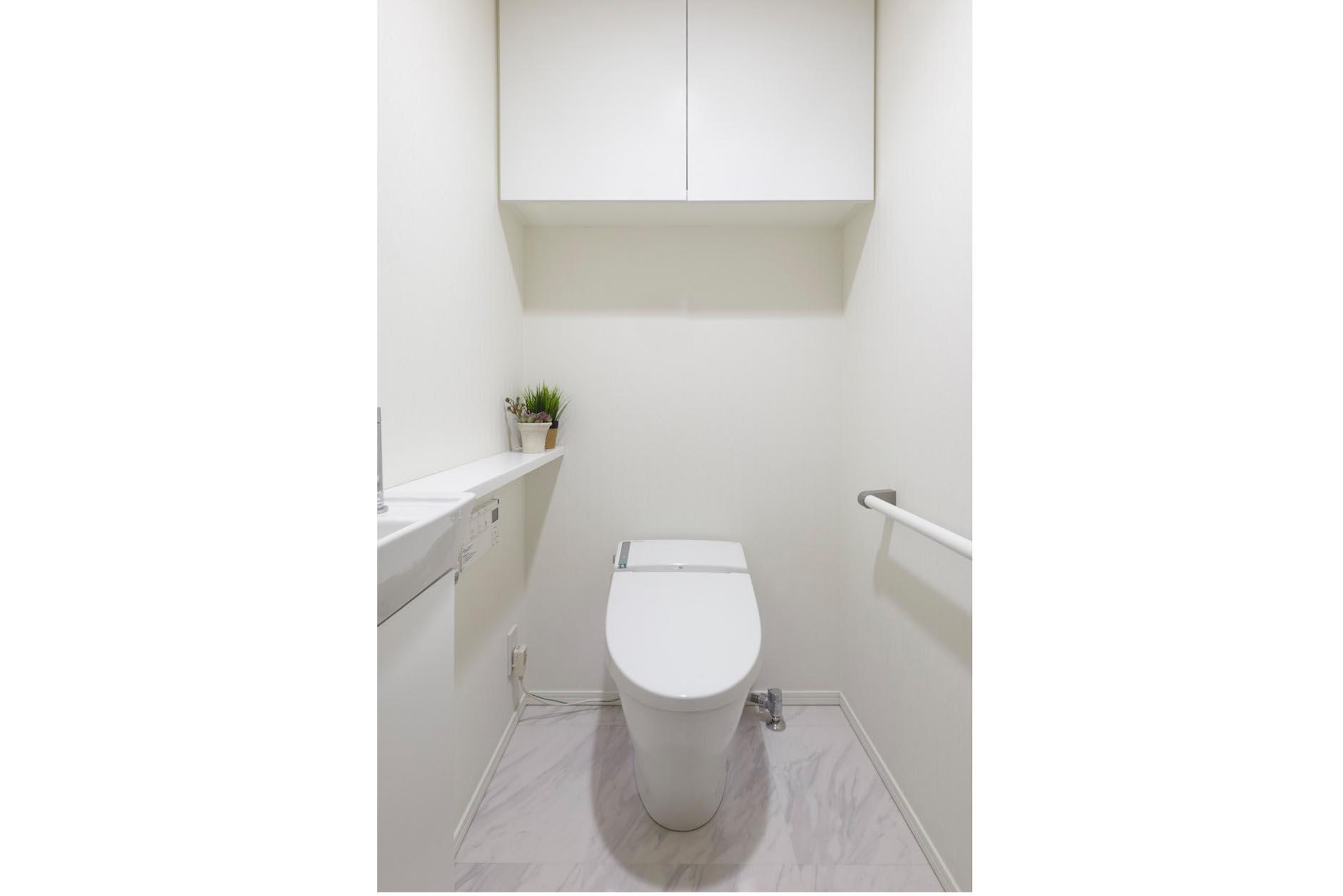 手洗いカウンター付節水型タンクレストイレ イメージ