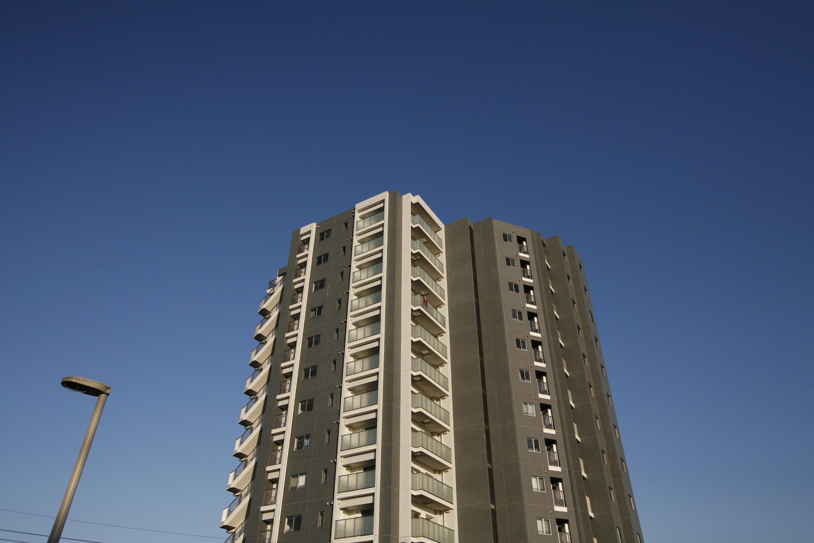 第一種低層住居専用地域を望む開放的な眺望。内廊下設計のタワーレジデンスマンション! イメージ