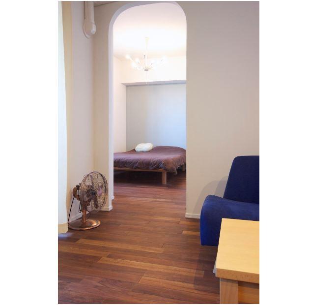 室内(2012年9月)撮影、LDから洋室の入り口はアーチ形状 イメージ