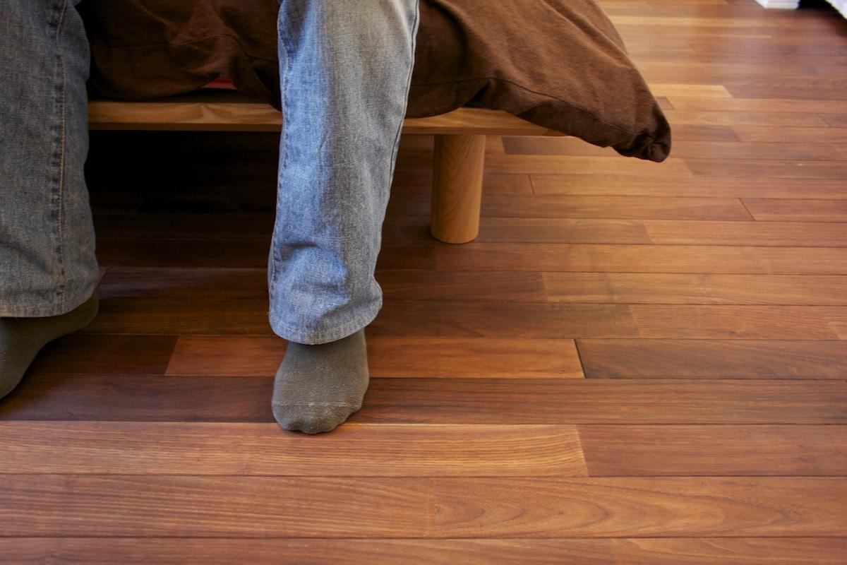 室内(2012年9月)撮影、ウォールナットの無垢フローリング イメージ