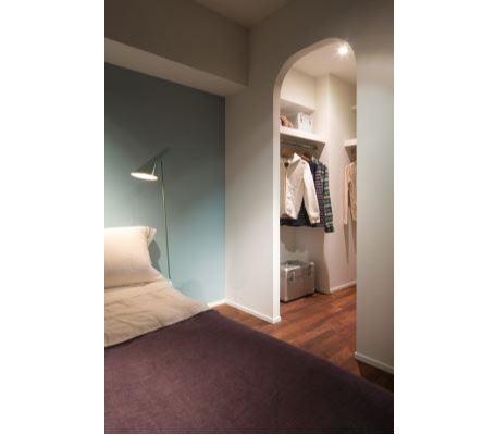 室内(2012年9月)撮影、大型WICの入り口はアーチ形状 イメージ