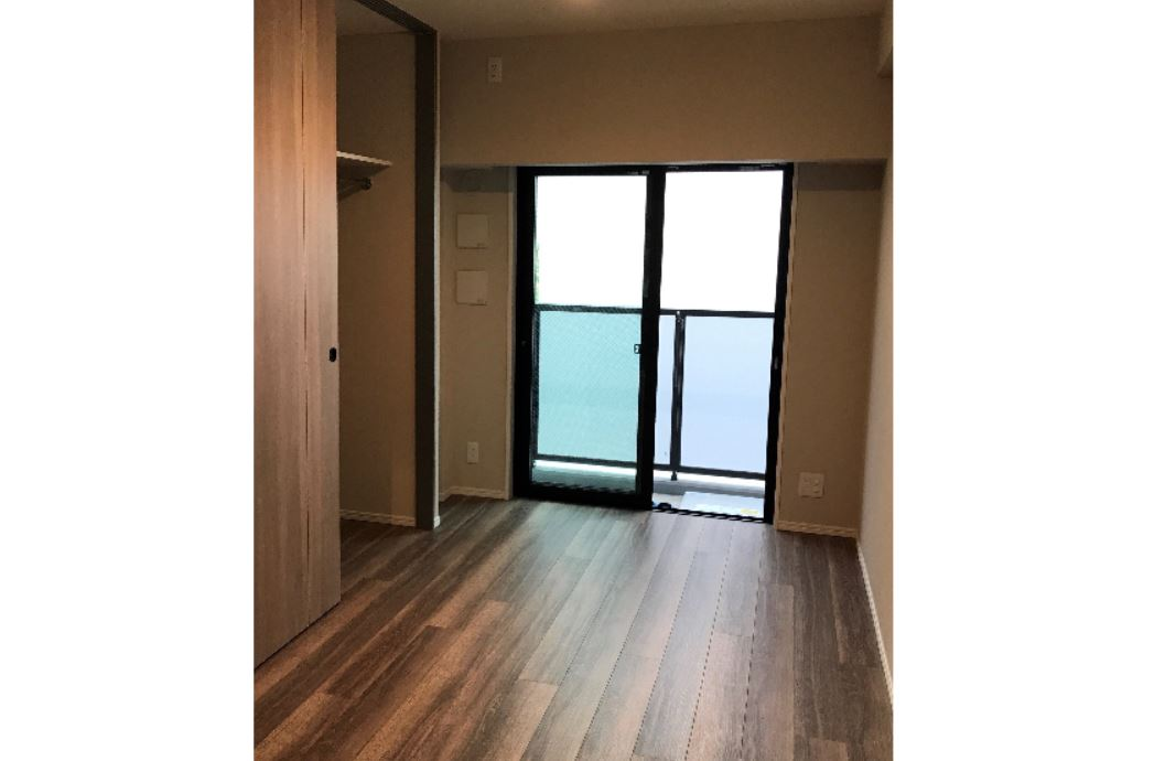 奥行約100センチの収納がある居室はファッション好きにはピッタリです。 イメージ
