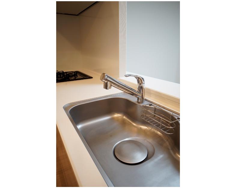 大型シンクと浄水機能付き水栓 イメージ