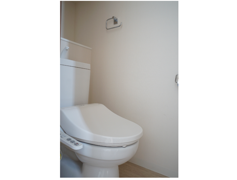 温水洗浄付きのシャワートイレ。 イメージ