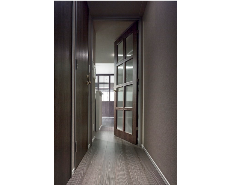 落ち着いた雰囲気の廊下 イメージ